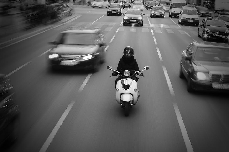 """בעקבות עומסי התנועה הכבדים מד""""א מתגבר משמעותית את מערך אופנועי החובשים והפאראמדיקים בתל אביב"""